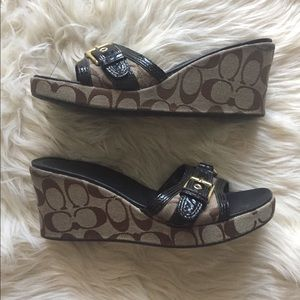 Coach Perry Wedge Sandals Sz 8.5